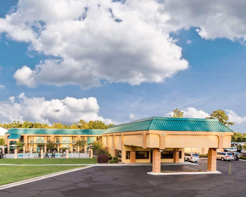 Exterior view - Quality Inn Macon