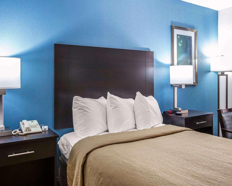 Room - Quality Inn Macon