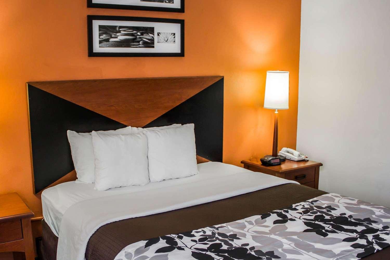 Room - Sleep Inn Savannah