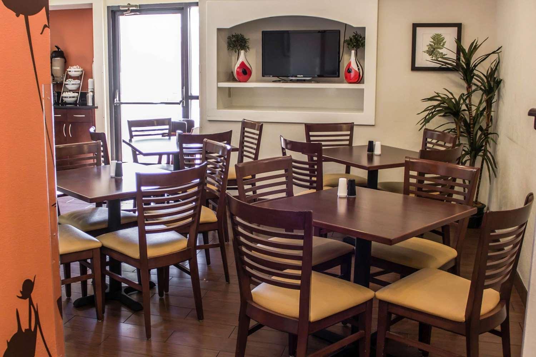 Restaurant - Sleep Inn Savannah