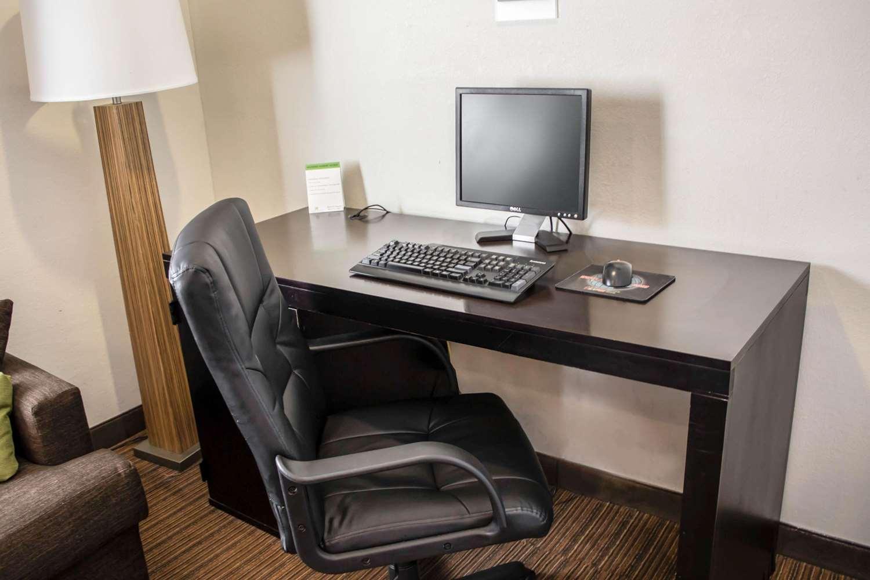 Conference Area - Sleep Inn Savannah