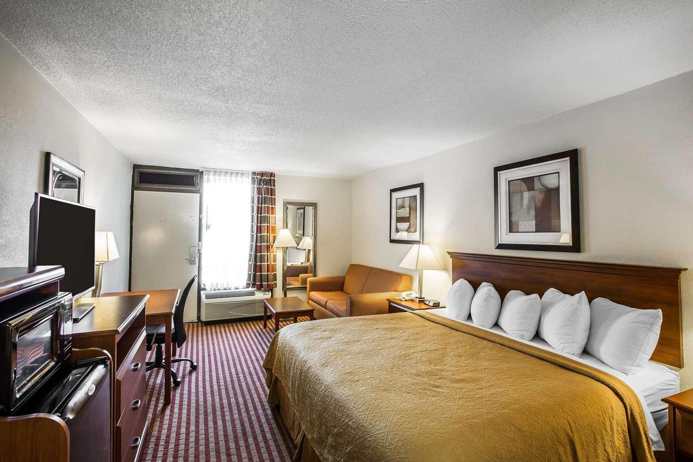 Room - Quality Inn Madison
