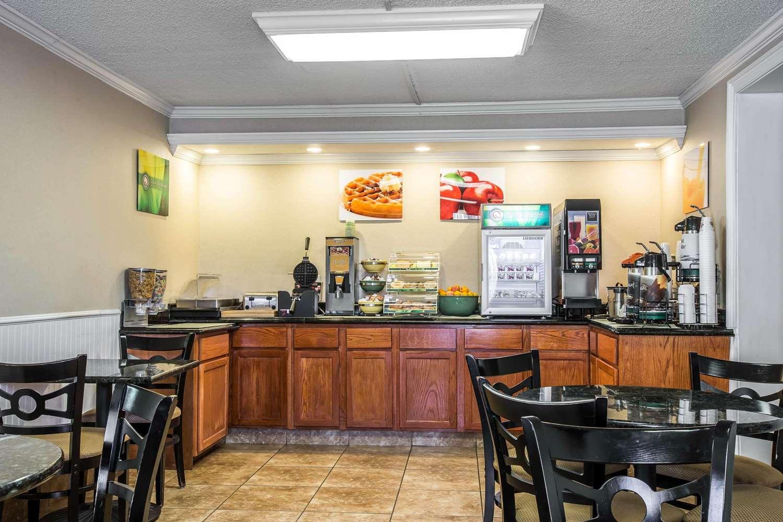 Restaurant - Quality Inn Madison