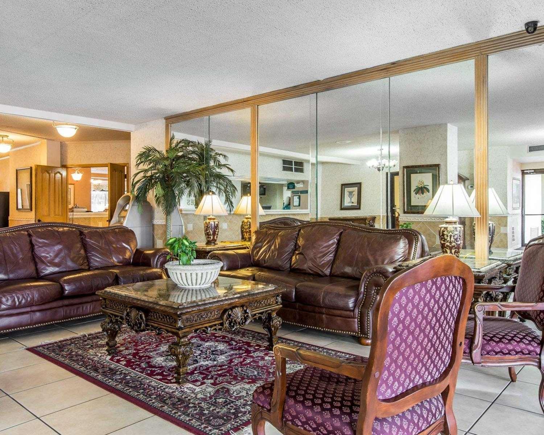 Lobby - Quality Inn & Suites Waycross