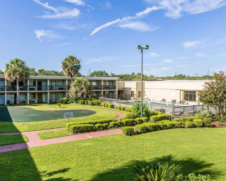 Exterior view - Quality Inn & Suites Waycross