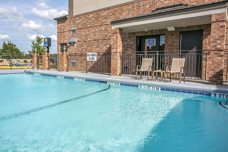 Pool - Comfort Inn & Suites West Augusta