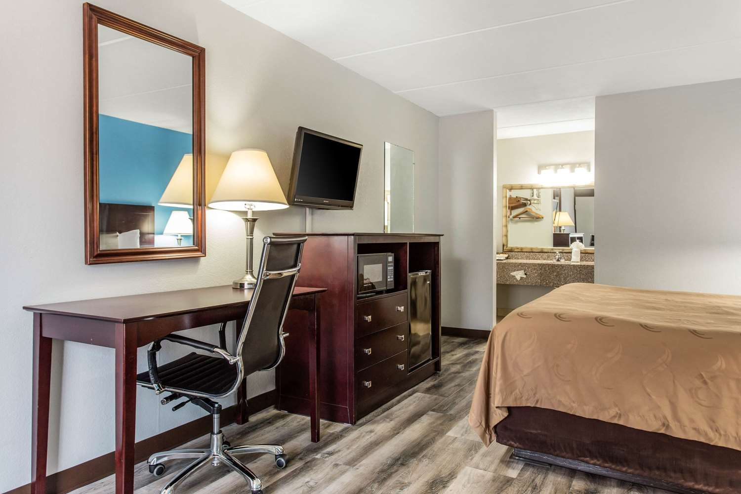 Room - Quality Inn & Suites Vidalia