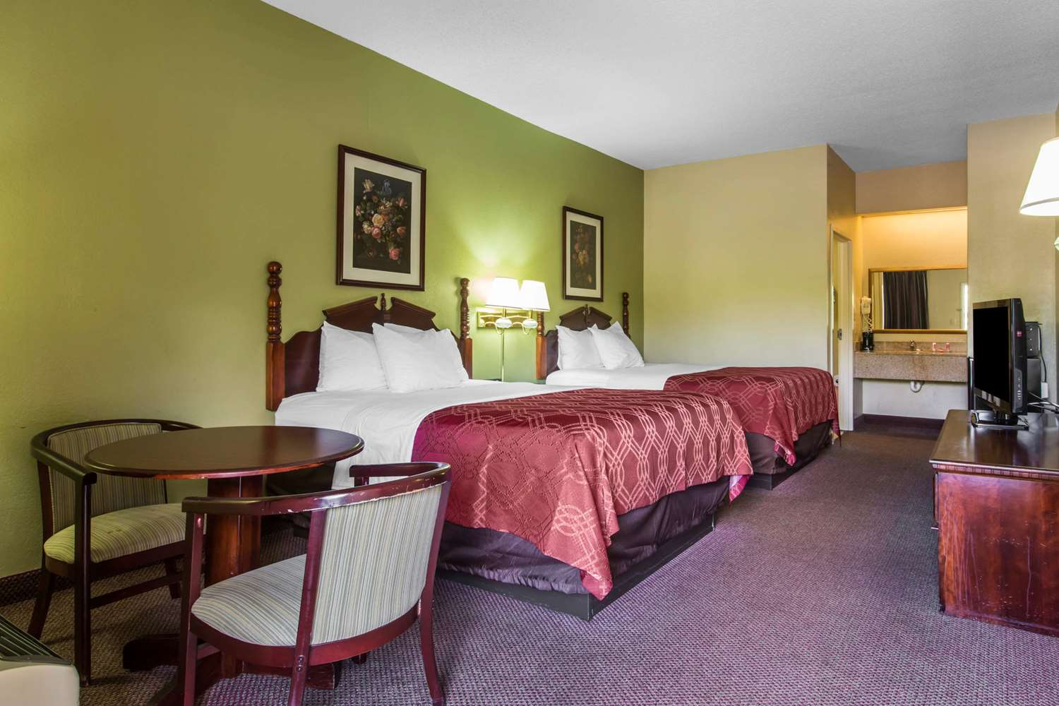 Room - Econo Lodge Stockbridge