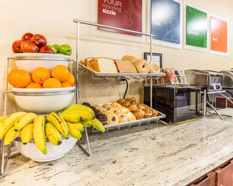 Restaurant - Comfort Inn & Suites Dobbins Air Reserve Base Smyrna
