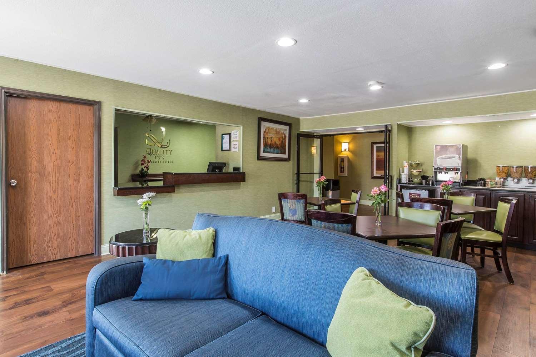 Lobby - Quality Inn Cedartown