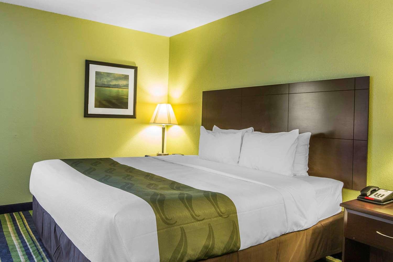 Room - Quality Inn Cedartown