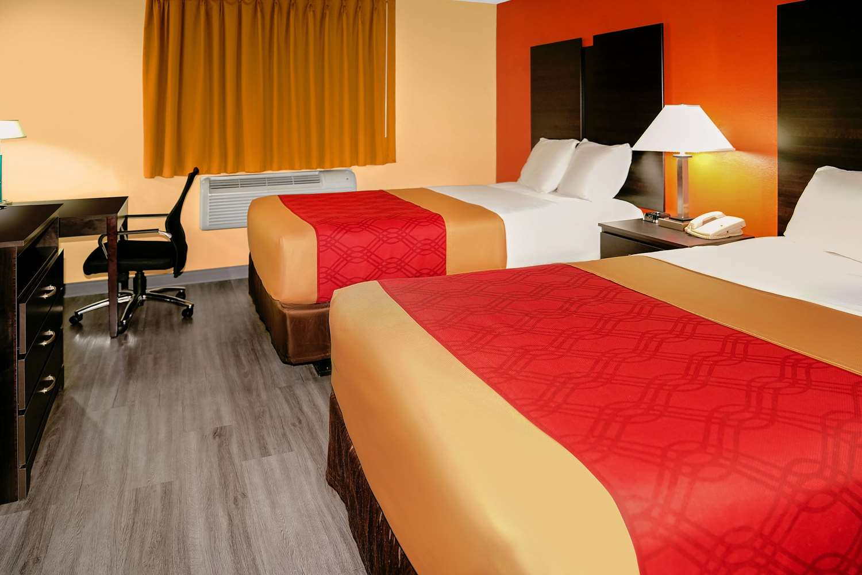 Room - Econo Lodge Rome