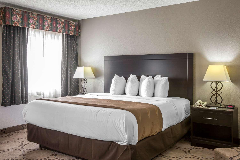 Suite - Quality Inn Stockbridge