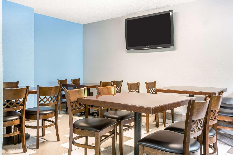 Restaurant - Quality Inn Stockbridge