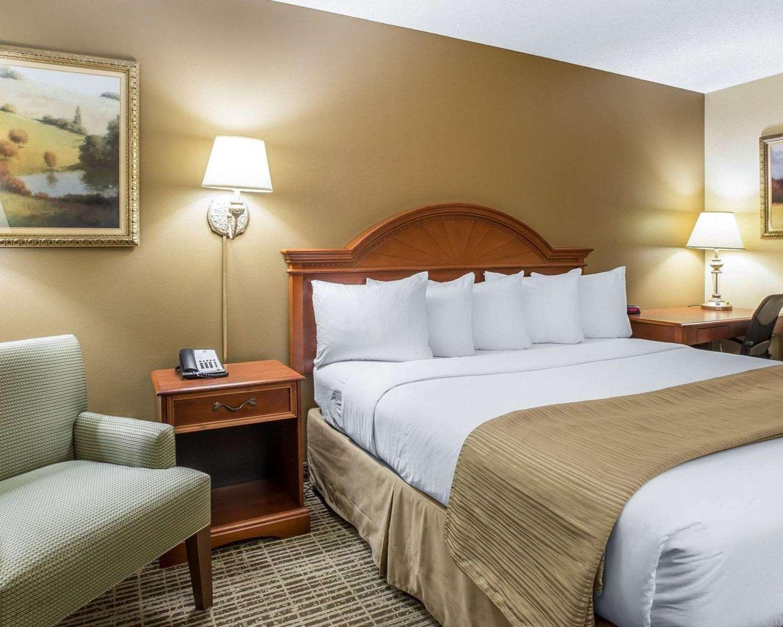 Room - Quality Inn Carrollton