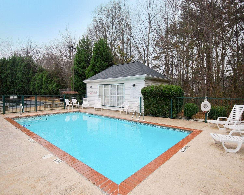 Pool - Quality Inn Carrollton