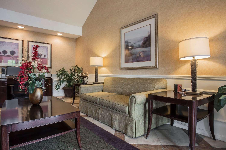 Lobby - Quality Inn Waynesboro