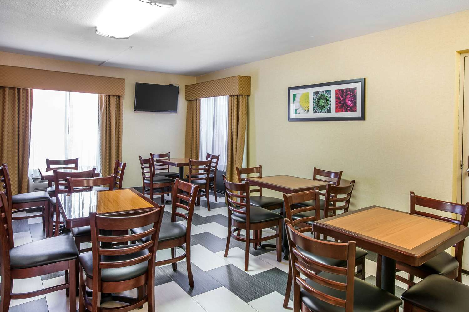 Restaurant - Quality Inn Acworth