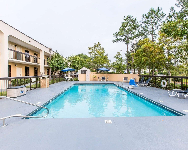 Pool - Quality Inn at the Mall Valdosta