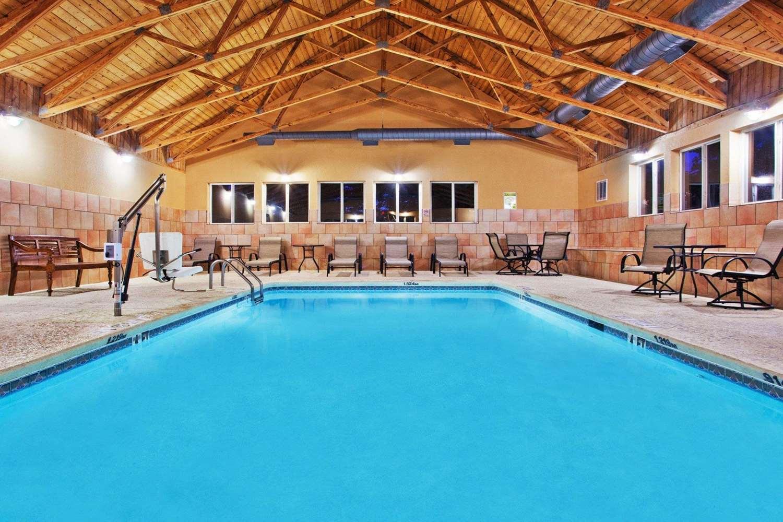Pool - Comfort Inn Blairsville