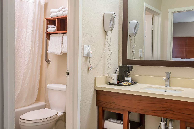 Room - Comfort Inn Savannah