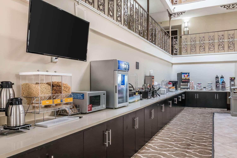 Restaurant - Comfort Inn Savannah