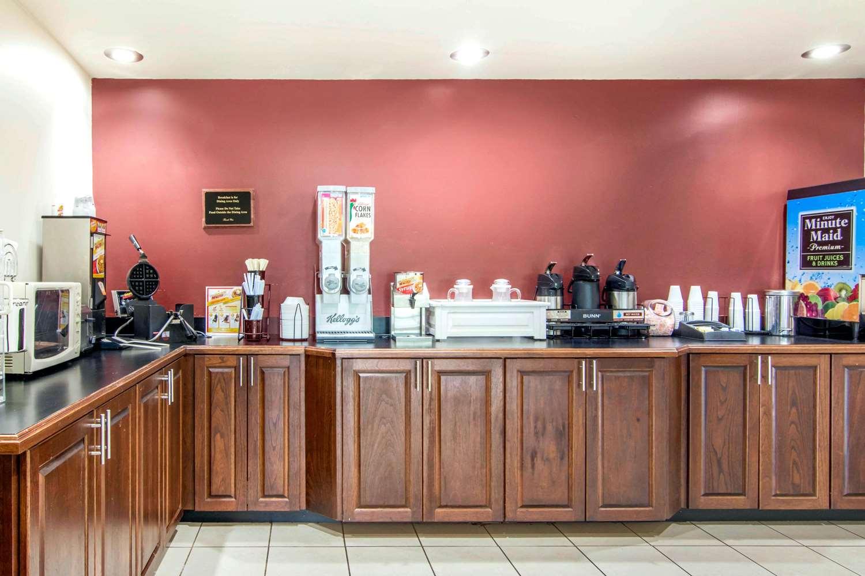 Restaurant - Rodeway Inn La Grange
