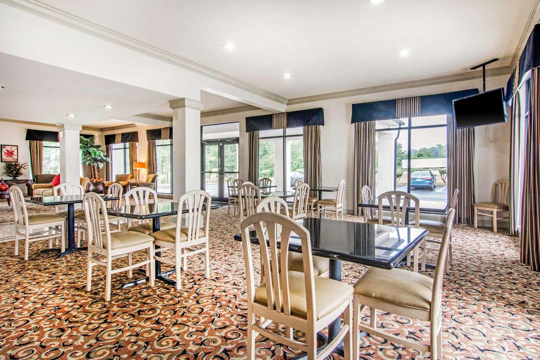 Lobby - Rodeway Inn La Grange