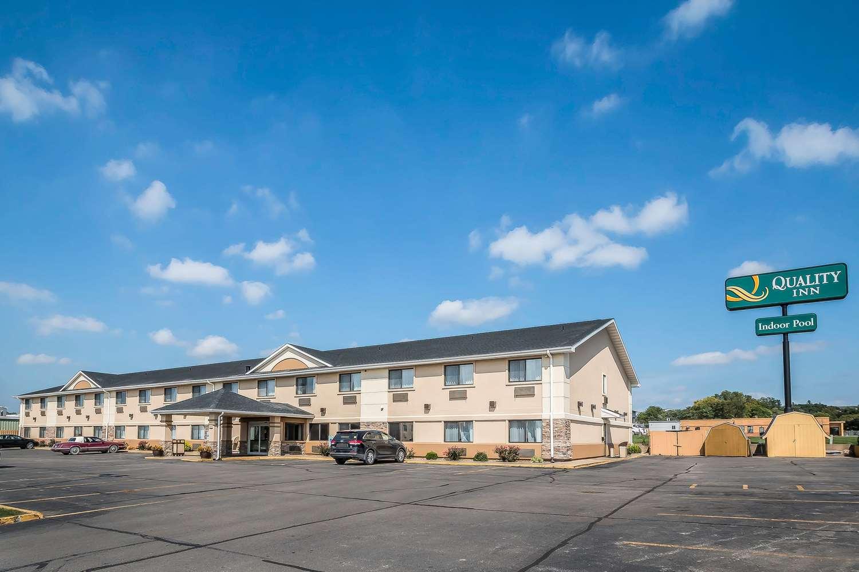 Exterior view - Quality Inn Coralville
