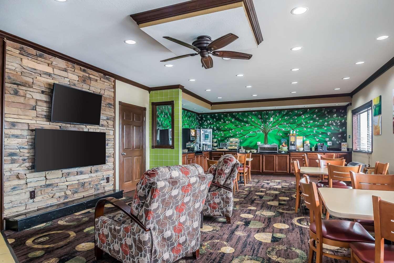 Restaurant - Quality Inn Coralville
