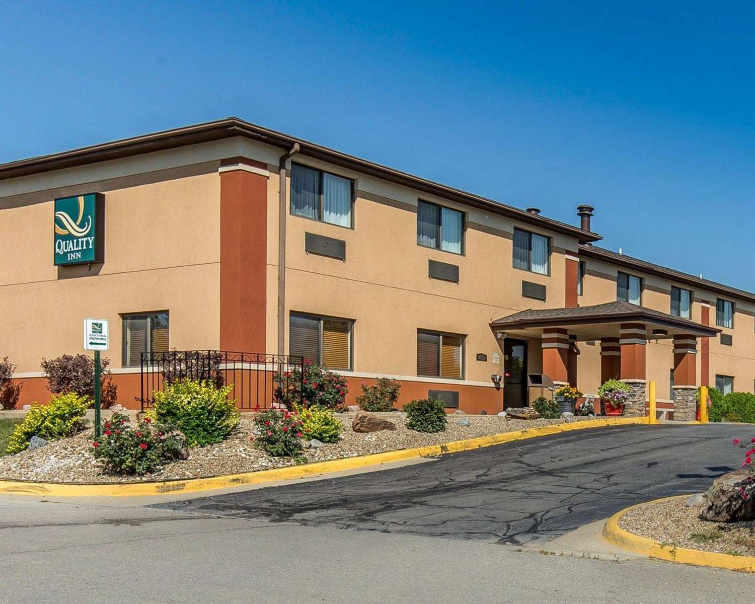 Exterior view - Quality Inn North Cedar Rapids
