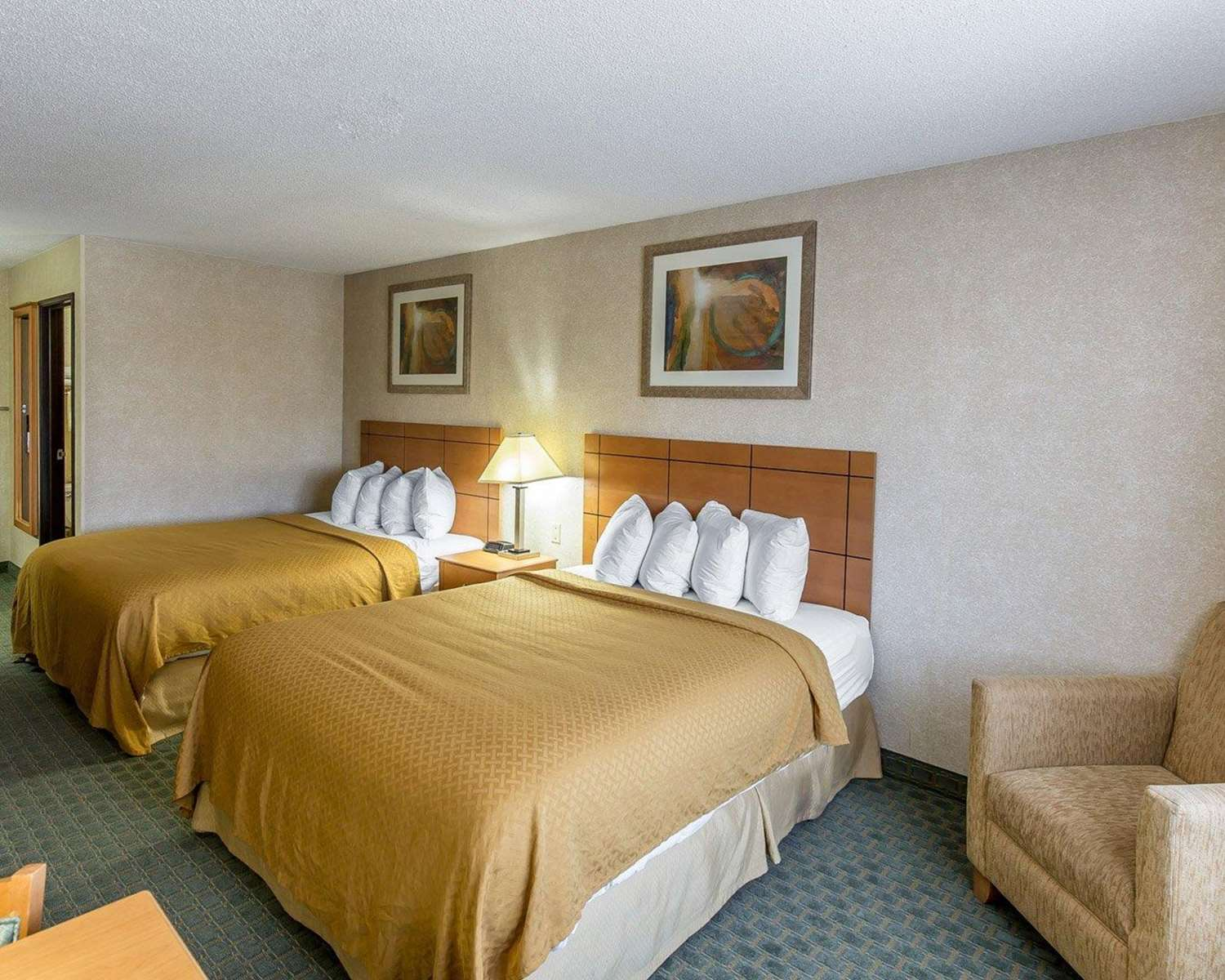 Room - Quality Inn North Cedar Rapids