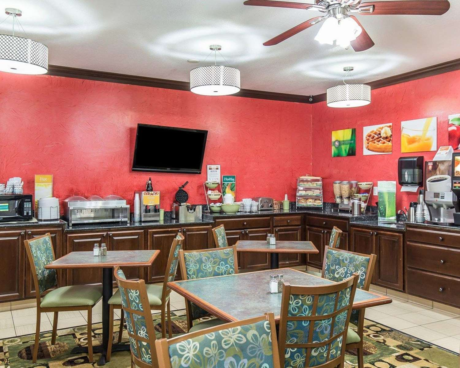 Restaurant - Quality Inn North Cedar Rapids