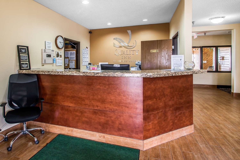 Lobby - Quality Inn Dubuque