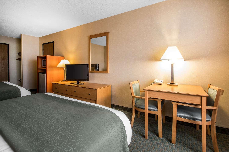 Suite - Quality Inn Dubuque