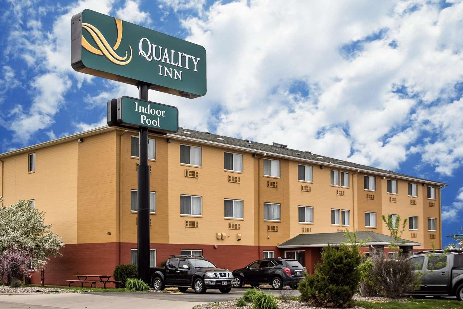 Exterior view - Quality Inn Dubuque
