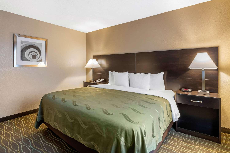Suite - Quality Inn & Suites Des Moines
