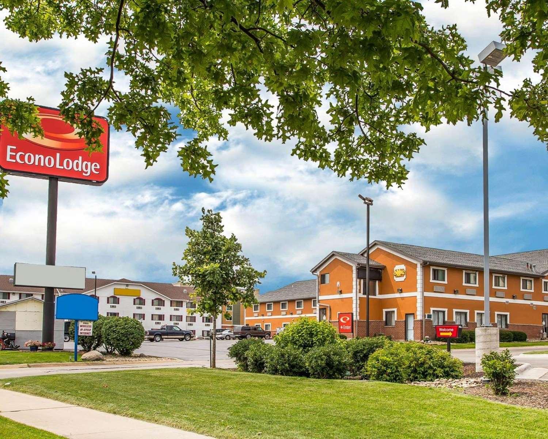 Exterior view - Econo Lodge Cedar Rapids
