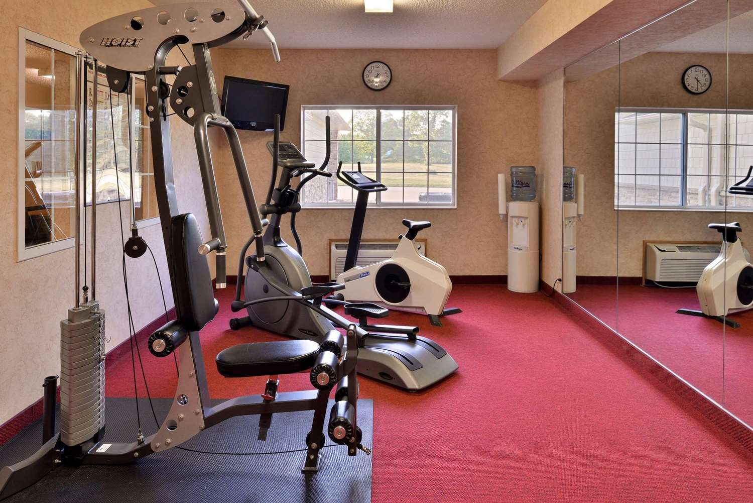 Fitness/ Exercise Room - Comfort Inn Le Claire