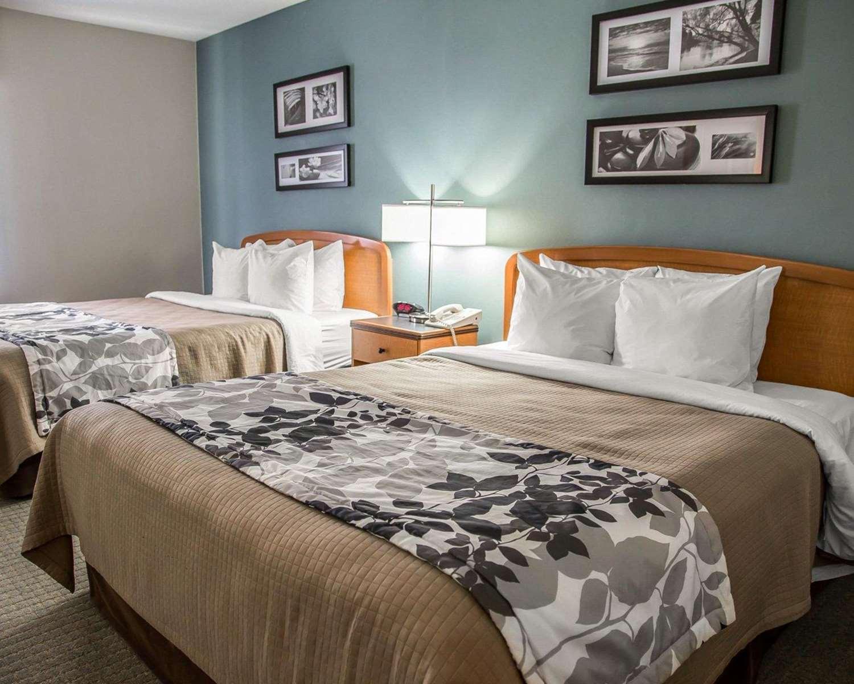 Room - Sleep Inn & Suites Davenport