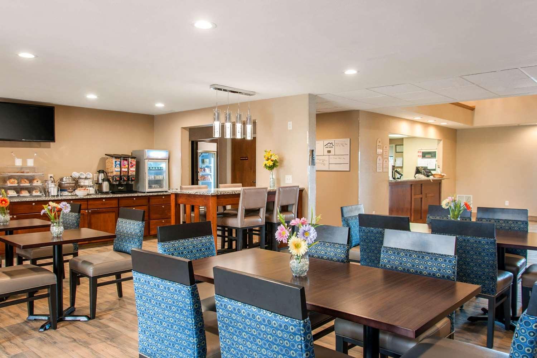 Restaurant - MainStay Suites Dubuque