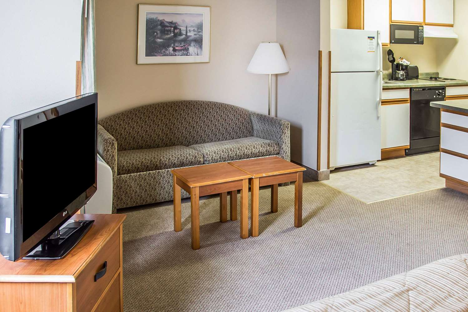 Room - MainStay Suites Dubuque