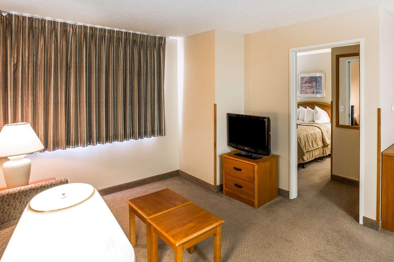 Suite - MainStay Suites Dubuque