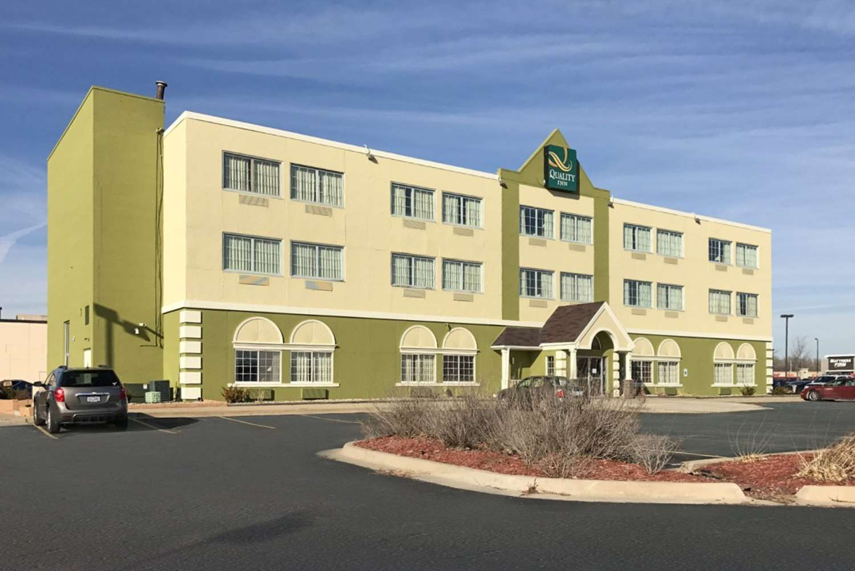 Exterior view - Quality Inn Cedar Rapids