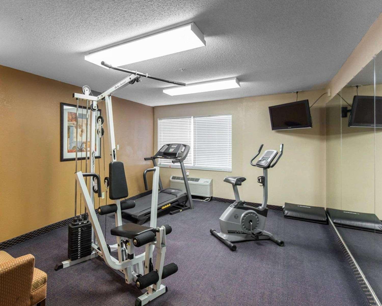 Fitness/ Exercise Room - Quality Inn Cedar Rapids