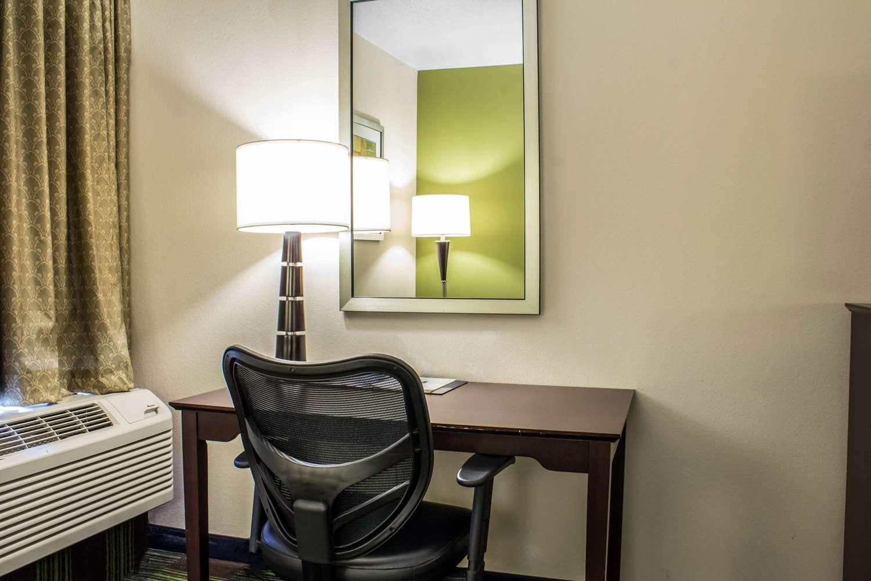 Room - Comfort Inn Ankeny