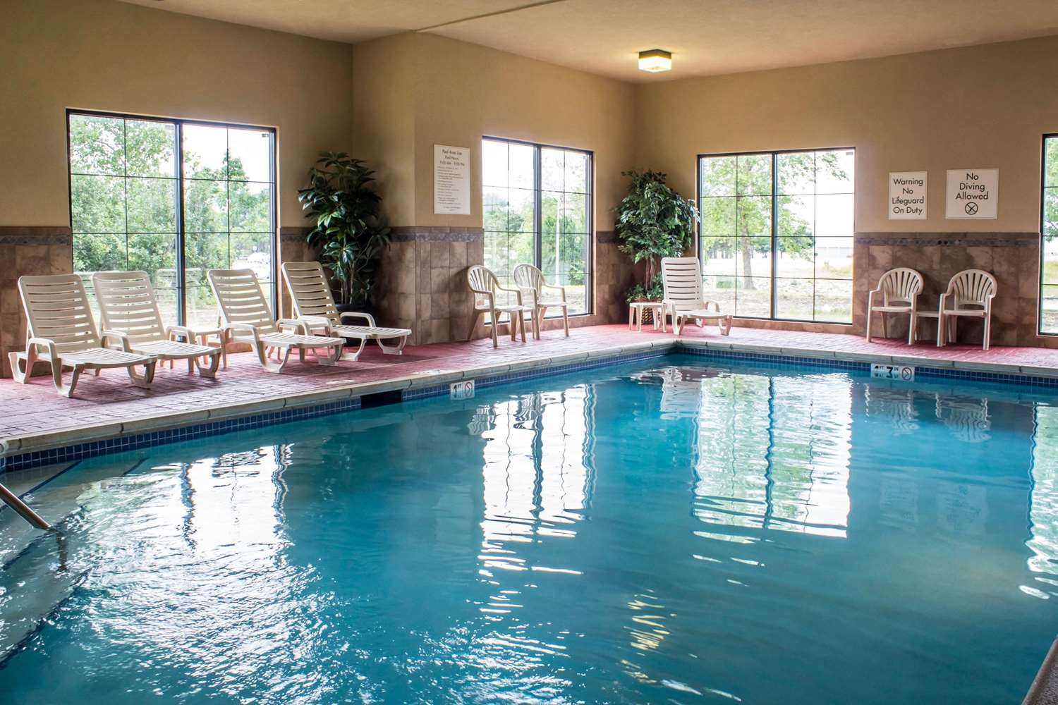 Pool - Comfort Inn Ankeny