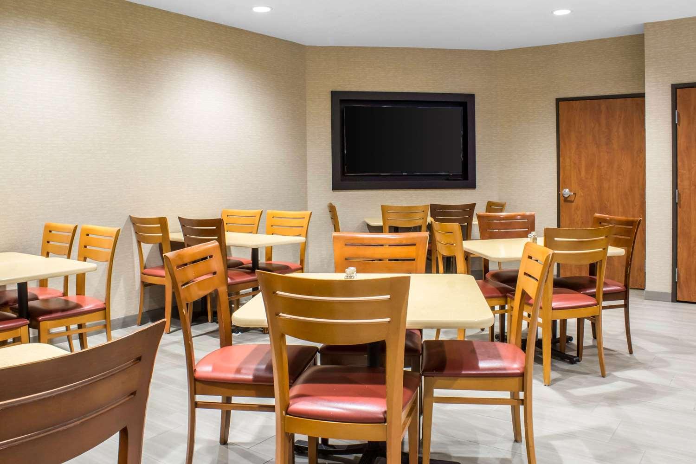 Restaurant - Comfort Inn Ankeny