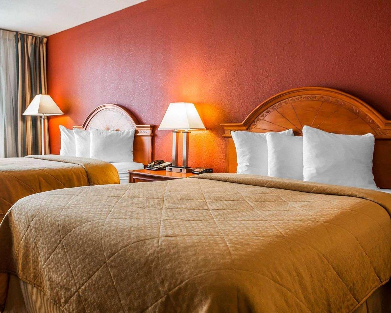 Room - Quality Inn Fort Dodge