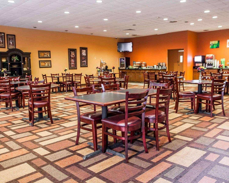 Restaurant - Quality Inn Fort Dodge
